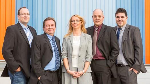 Teamfoto für die Bergische Kartonagenfabrik Niessen © Till Erdmenger – Businessfotos