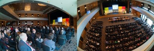 Das erste Foto vermittelt keinerlei Information über die Größe des Raum oder die Teilnehmerzahl bei dieser Veranstaltung. Ein Perspektiv-Wechsel half © Till Erdmenger – Businessfotos